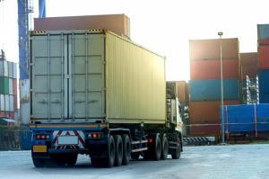 Gut gefülltes Containerschiff